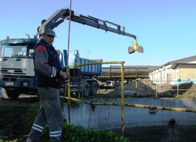 Vybírání jímek na kejdu a čištění menších rybníků