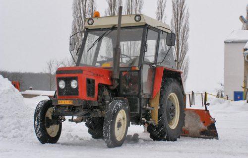 traktor-ZETOR-621-1