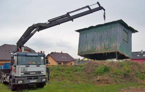 Přesun stavebních buněk a kontejnerů