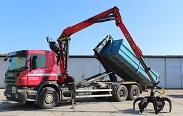 Scania s hydraulickým drapákem